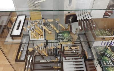 Les couteaux de Nontron au pays de la porcelaine