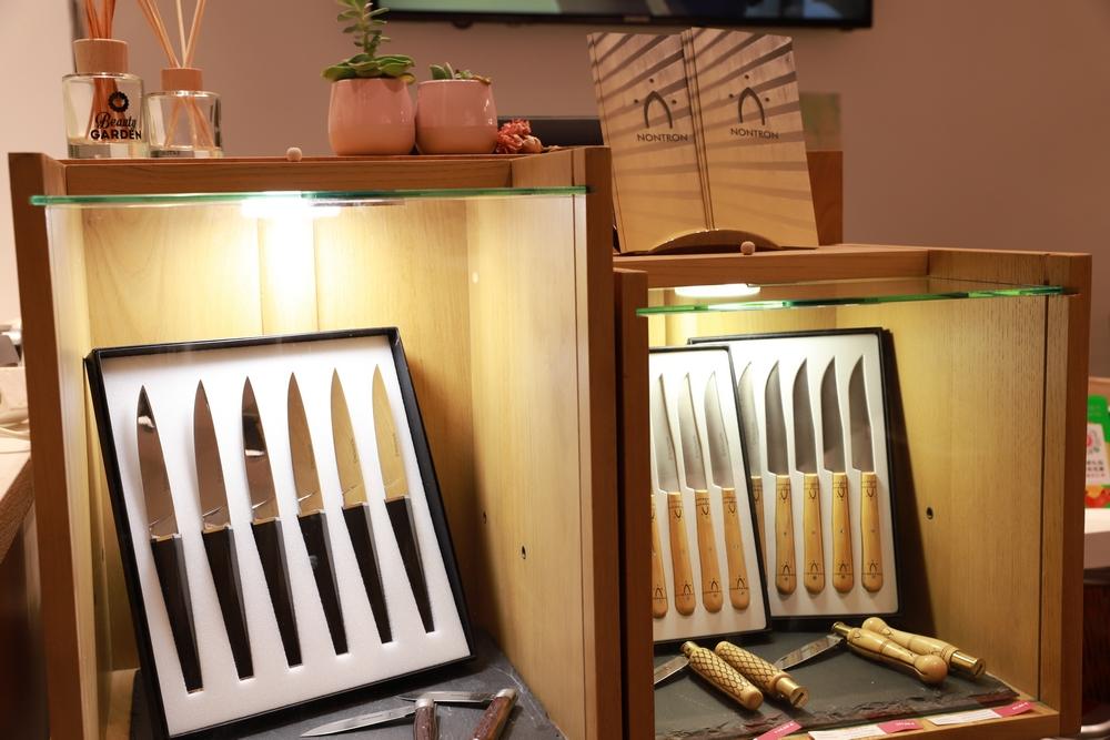 vente de couteaux nontron à Paris