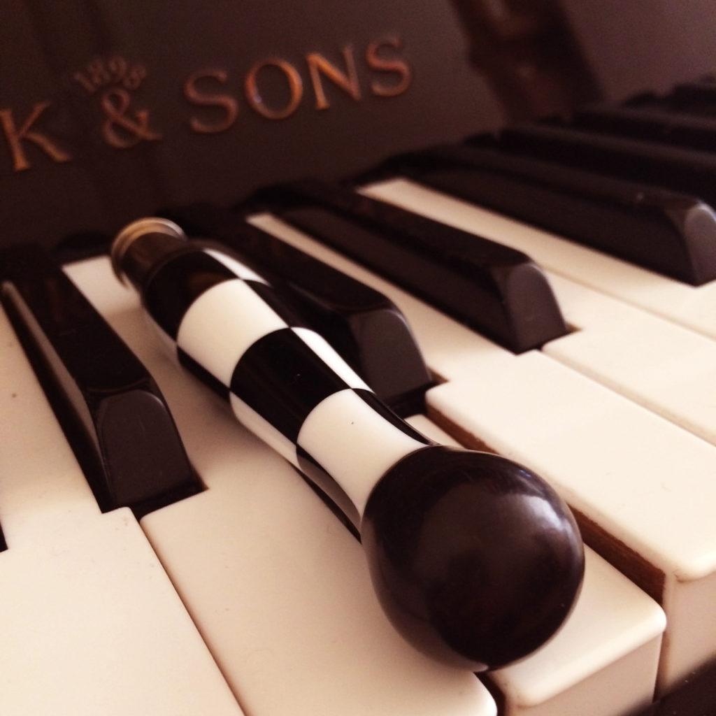 Couteau Nontron et piano à Verteillac