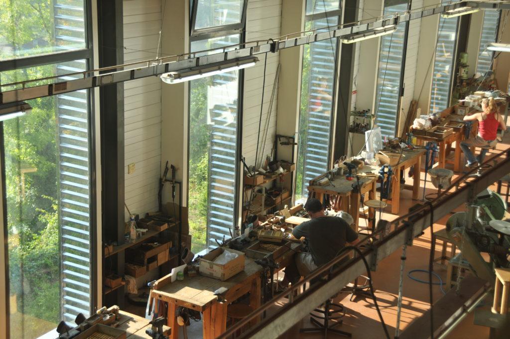 visite de ateliers de couteaux de Nontron à la coutellerie Nontronnaise